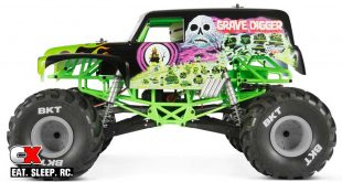 Axial Racing SMT10 Grave Digger Monster Jam Truck